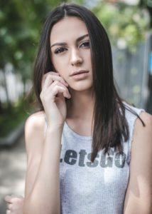 Viviane_Avalone-9