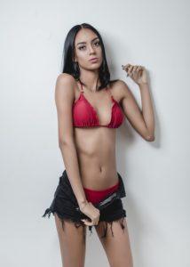 Thais_Oliveira-12